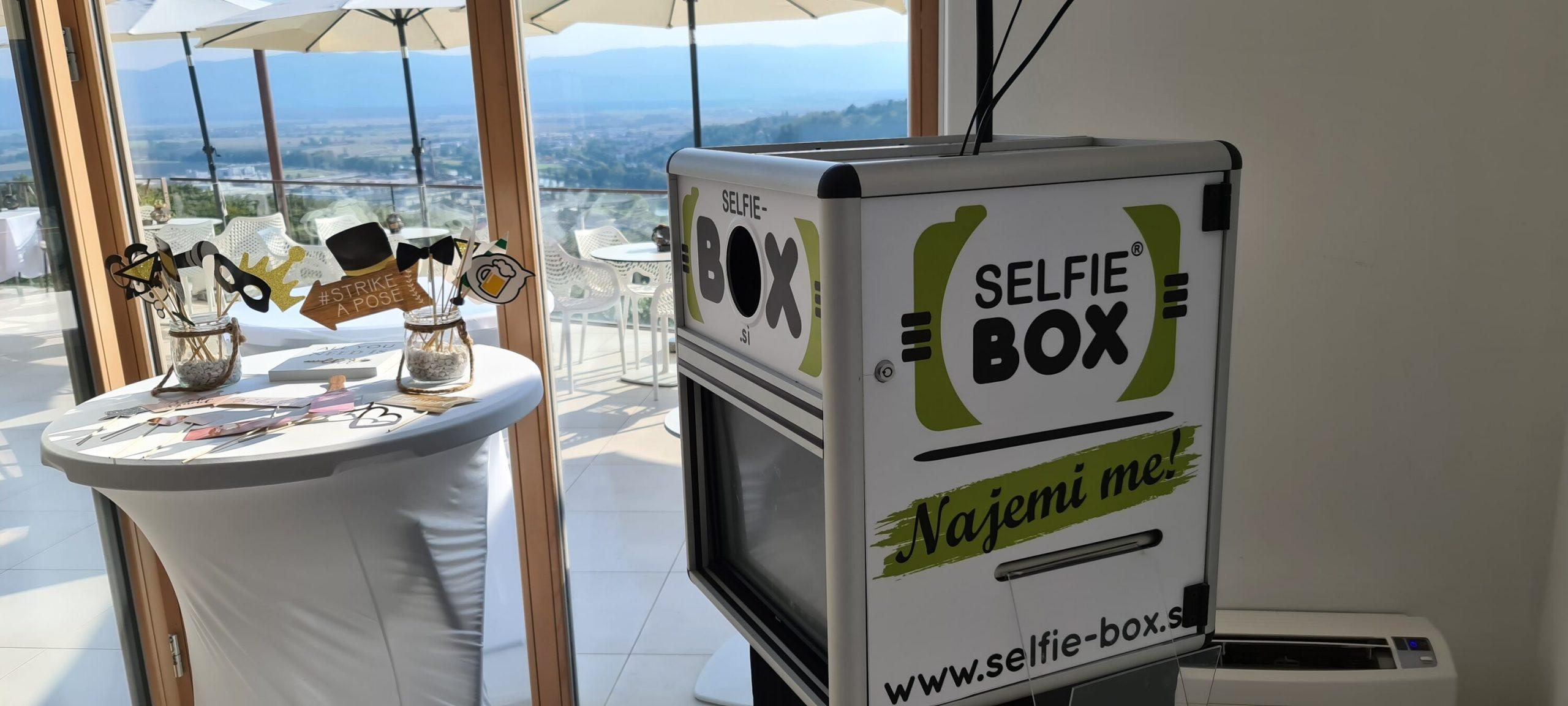 selfie-box.si